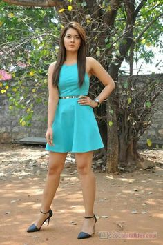 Indian beautiful teenage girls thunder thighs sexy legs images and sexy boobs picture and sexy cleavage images and spicy navel images and se. Beautiful Girl Photo, Beautiful Girl Indian, Most Beautiful Indian Actress, Indian Actress Hot Pics, Indian Actresses, Hot Actresses, Bollywood Girls, Bollywood Fashion, Beauty Full Girl