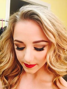 Chloe Lukasiak! This beautiful girl's eye look is GORG! Very clean and simple if u don't want anything to heavy for your look.