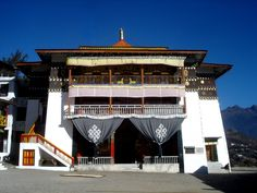 #TawangMonastery, Arunachal Pradesh is the largest monastery in #India. It is situated in the valley of the Tawang River. It is enclosed by a 925 feet (282 m) long compound wall. #holiday #travel #tourism.