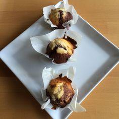 Muffins: Black and White oder auch als Marmormuffins bekannt #Schokomuffin #Muffin #hell #Rezept #Marmorkuchen #Muffinteig