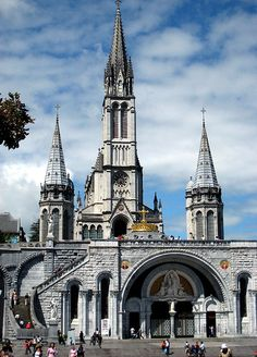 The basilica in the well-known city of Lourdes in the south of France. Lourdes France, Beautiful Buildings, Beautiful Places, Places To Travel, Places To See, Places Around The World, Around The Worlds, Monuments, Church Architecture