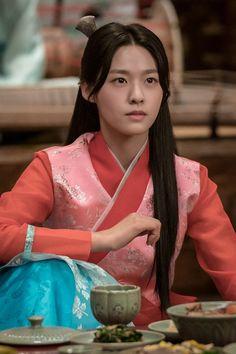 Hyun Ji, Kim Seol Hyun, Seolhyun, South Korean Girls, Korean Girl Groups, Korean Traditional, Korean Beauty, Korean Singer, Idol