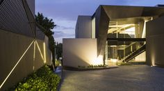 Kloof Road House | Form | Nico van der Meulen Architects #Design #Architecture #Light #Steel #Contemporary #Exterior