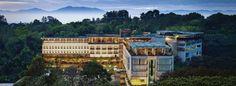 Padma Hotel Bandung ini salah satu hotel mewah di Bandung. Alamat di lokasi hotel di Ciumbuleuit Bandung. Anda bisa booking untuk pesan kamar hotel ini sekarang. Dapatkan info harga kamar murah dan promo diskon tarif menginap. Booking Agoda