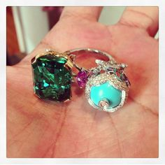 Van Cleef & Arpels between the finger ring ~ Instagram