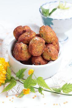On s'attaque à la Street food indienne avec des falafels épicés aux lentilles corail et à la coriandre. De petitsbeignets vaganlégèremen...