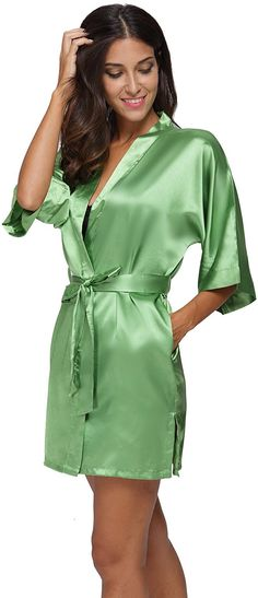 2b44c32816 The Bund womens Pure Colour Short Kimono Robes with Oblique V-Neck apricot  Small at · Satin NightieSatin ...