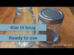 Sådan fjerner du nemt etiketter fra glas og flasker – find etiketfjerner, tips og inspiration på danishthings.com Remove Labels, Altered Bottles, Origami Lamp, Good To Know, Cleaning Hacks, Projects To Try, How To Remove, Stains, Good Things
