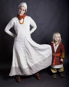 gorgeous viking child outfit, made by Patricia van Paassen