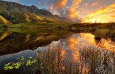 South Africa's Drakensberg Mountains in pictures Sunset Photography, Landscape Photography, Midland Meander, Morning Sky, Best Sunset, Africa Travel, Places To See, South Africa, Beautiful Places