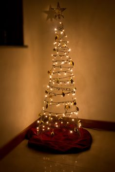 WIRE CHRISTMASTREE