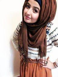 cute sweater & skirt, love the hijab style too!