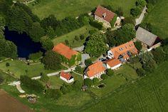 Kriemelmann Immobilien  Gut aus dem 16. Jahrhundert Golf Courses, Real Estates