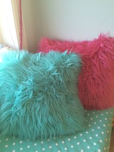 ~Cute pillows are alway a nice way to decorate your room~