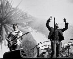 With Bono's hands in the air it resembles the Joshua Tree. The concert was just getting ready to roll!!!! @u2fannpage @u2 @u2news @u2start @u2.bono #u2thejoshuatree2017 #u2 #bono #theedge #larrymullenjr #pocket_tunes #igw_rock #rock_bnw #igw_rock_details #htbarp #audioloveofficial #band #group #guitar #concert #liveshow #music #musician #jamming #rockandroll #rocknroll #artist #singer #rockband #bands #pop #livemusic #dancing #instamusic #singing