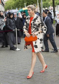 A shot of colour with these orange Sergio Rossi pumps. Click on the image to see more looks.