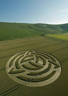 No - demonic, fallen angels activity! they show wichcraft symbols in a large scale Do crop circles actually materialize at the rate of one event worldwide every summer evening, with half occuring in England? Aliens And Ufos, Ancient Aliens, Ancient History, European History, American History, Crop Circles, Circle Art, Circle Design, Nazca Lines