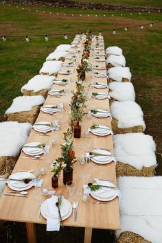 Harvest tablescape with haystack seats + white fur | Photo by Winnie Au