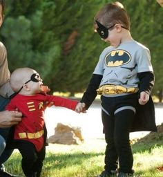 21 halloween costumes for kids girls!Whether you\'re looking for a Halloween costume for yourself your . a dozen Halloween parties to go to because I was swimming in great costume ideas. Halloween Costumes For Brothers, Robin Halloween Costume, Batman And Robin Costumes, Baby Halloween Costumes For Boys, Boy Costumes, Halloween Kids, Baby Robin Costume, Halloween Recipe, Costume Ideas
