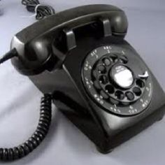 We had one of these dial telephones in our home ...