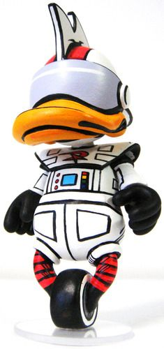 'Gizmo Duck' by Nikejerk (Jared Cain) for the 'Battle of the Mascots' series using custom Kidrobot 'bots.