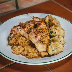 Na startu letošního hlasování si připomeňme, jaký dezert vybrala loni jako vítěze porota Pochoutkového roku. Staly se jím kardinálské řezy od Marie Kosové. Pavlova, Shrimp, Meat, Chicken, Cubs