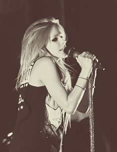 Avril Lavigne Let Go, Avril Lavigne Photos, Pop Punk, Rainha Do Rock, Avril Levigne, Chrissy Costanza, Rock Queen, Rocker Girl, Celebrity Skin