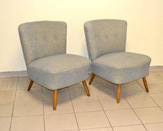 **Diese zwei wunderschönen Cocktailsessel aus den 5e0r Jahren werden einzeln Angeboten. Der Preis bezieht sich daher auf einen Stuhl.**  Die Sessel haben ihren originalen blauen Bezugsstoff und...