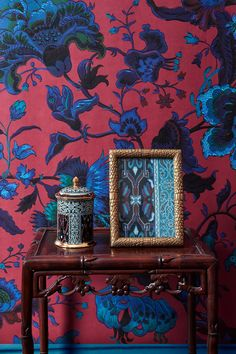 Eclectic Wallpaper, French Wallpaper, Home Wallpaper, House Of Hackney Wallpaper, Beautiful Wallpaper, Estilo Kitsch, Architecture Restaurant, Dark Interiors, Colorful Interiors