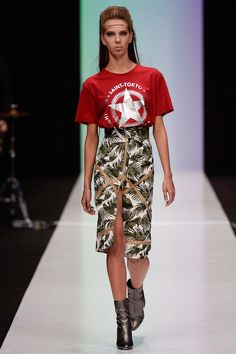This S/S fashion show season has been featuring quite a bit of graphic T-shirts. From Milan to Russia, fashion weeks have been sweeping this trend all over the board. With the rise in popularity from multiple designers, this trend will be showing up a lot in this coming season. -Kennedy Mac Millan