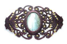 Macramé with lapis lazuli and bronze bracelet Golden blue by Mahwu Macrame Earrings, Macrame Jewelry, Macrame Bracelets, Jewelry Bracelets, Bangles, Jewellery, Lapis Lazuli, Bronze, Micro Macrame