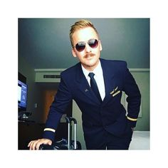 From @flying_bengel -  Los geht's  #crew #crewlife #selfieofday #crew #flightattendant #sun #instagay #lovemyjob #uniform  #goodbye #crewlife #lovemyjob #germany #flight #buisness #fun #calgary  #samsonite #gay #gaycrew #instagay #instagram #gaybear #gayhandsome #colognegay #gayboy #crewiser - #avgeek