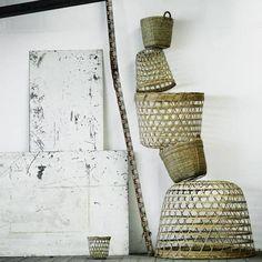 Vosgesparis: It's a basket {DIY lamp} Rope Basket, Basket Weaving, Sisal, Rattan, Black Balloons, Market Baskets, Lampshades, Scandinavian Design, Decoration