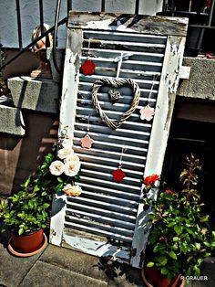 Deko Wood Corner Shelves, Outdoor Rooms, Outdoor Decor, Garden Totems, Pot Plante, Patio Design, Yard Art, Garden Projects, Shutters
