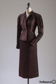 Winter 1935-1936, France - Evening suit by Elsa Schiaparelli - Black wool, red synthetic yarn, jet beads, glass beads