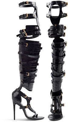 Tom Ford 2013 omg! At first i thought these are BA prosthesis!