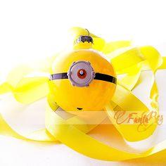 pallina addobbi per albero di natale Minion - Stuart - colore giallo Minion, Pikachu, Fictional Characters, Art, Log Projects, Fimo, Art Background, Kunst, Minions