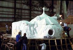 Yoda's house under construction on the Dagabah set in Elstree Studios London. Make my own out of cob?