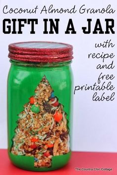 Coconut Almond Granola Gift in a Jar -- recipe & free printable
