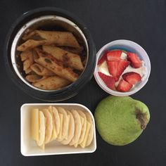 Kids lunch today ... I'm playing catch up with photos  leftover bolognaise from dinner last night, cheese & crackers, pear & yoghurt (dairy homemade) & strawberries ❤️ #cutoutthecrap #glutenfree #preservativefree #additivefree #lunchbox #lunch #morningtea #food #foodie #foodideas #foodblogger #cookbook #cooking #yum #grateful #collettewhite ❤️