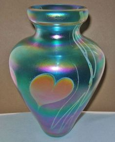 Mind Blowing SUBLIME Signed IRIDESCENT Art Glass VASE Gorgeous HEARTS Vines 1970