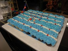 swim team cupcakes party