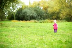 Autumnal toddler photography, seasonal portraiture, 1 year old, toddler girl, green, grass, location portraiture, 50mm, canon 5d