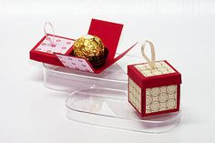 Mini-Explosions-Box Tutorial * find das tuto nicht, aber macht ja nichts, ist ja klar wie :-) ** I can't find the tutorial for the life of me! Tiny Gifts, Little Gifts, Origami, Candy Crafts, Paper Crafts, Explosion Box Tutorial, Exploding Gift Box, Boxes And Bows, Envelope Punch Board