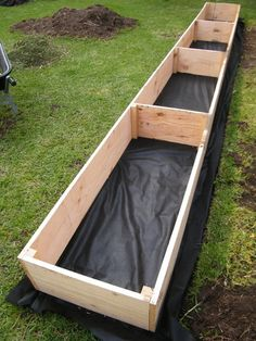 Raised Vegetable Planter - planting vegetables in raised beds - Vegetable Planters, Vegetable Garden Design, Garden Planters, Planting Vegetables, Planter Beds, Raised Planter, Building A Raised Garden, Raised Garden Beds, Side Yards