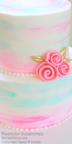 Learn to create beautiful watercolor buttercream cakes in this video tutorial… Cake Decorating Designs, Cake Decorating Techniques, Cake Decorating Tutorials, Cookie Decorating, Wilton Cake Decorating, Decorating Ideas, Gorgeous Cakes, Pretty Cakes, Cake Pops