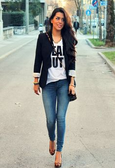 I'll always love a cool slim fitting blazer, graphic tee and a deep blue pair of skinny jeans! Leopard flats are the perfect pop!