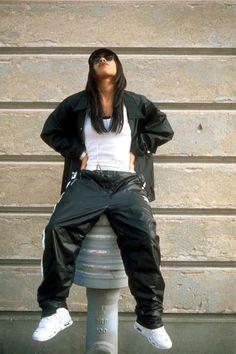 Urban Wear Hip Hop Hiphop urban fashion for men spaces. Fashion Guys, 2000s Fashion, Hip Hop Fashion, Urban Fashion, Fashion Outfits, Tomboy Fashion, Fashion Menswear, Fashion Brands, Fashion Beauty