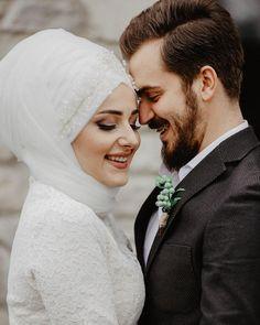 "994 Likes, 3 Comments - Sümeyye Üzam | Photographer  (@masalbaslarken) on Instagram: ""Afife&Faruk ☘️#brideandgroom #november"""