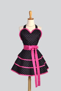 Sexy Retro Pinup Apron . Flirty and Cute Retro Womans Apron in Black Dots and Pink Sweetheart Apron and Vintage Style Full Skirt